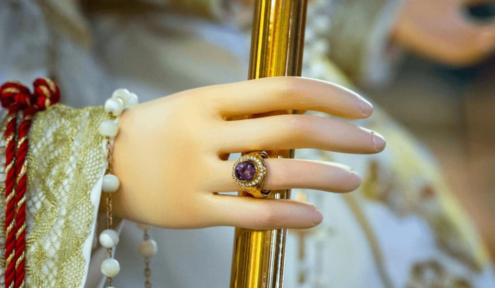 O anel de Nossa Senhora - Nossa Senhora das Graças